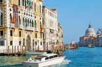 Private Tour: Venice Family Fun Boat Experience