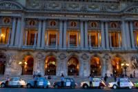 Private Tour: Vintage 2CV Round-Trip Transfer to the Paris Paradis Latin Show
