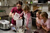 Rome Market Tour and Gelato Class Making for Kids