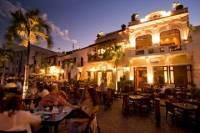 Santo Domingo Hop-On Hop-Off Nightlife Bus Including Drinks