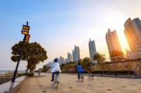 Shanghai Highlights Bike Tour Including the Bund and Xintiandi