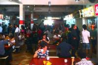 Singapore Hawker Center Food Tasting and Neighbourhood Walking Tour with Hotel Transfer