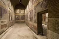 Skip the Line: Casa di Augusto, Casa di Livia and Colosseum Tour in Rome