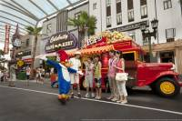 Skip the Line: VIP Tour of Universal Studios Singapore with Private Transfer