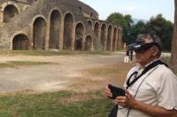 Small-group 3D Virtual Reality Pompeii Tour Led by a Tour Assistant Without a Licensed Guide