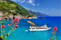 Small-Group Cinque Terre Tour from Lucca with Wine Tasting