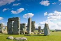 Small-Group Day Trip to Stonehenge, Glastonbury and Avebury from London