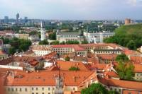 Small-Group Food and History Walking Tour of Vilnius