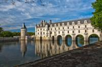 Small-Group Loire Valley Castles Day Trip from Paris