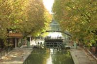 Small-Group Paris Walking Tour: Opéra, Marais and Latin Quarter Including Local Hot Spots and Canal St-Martin Cruise