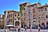 Tuscany Small-Group Day Trip with Chianti Dinner: Siena and San Gimignano