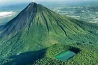 Two Volcano Extreme Hike in La Fortuna