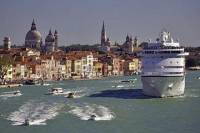 Venice Private Arrival Transfer by Water Taxi: Cruise Port to Central Venice