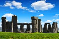 Viator Exclusive: Early Access to Stonehenge with an Astronomer Guide