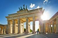 Warnemuende Shore Excursion: Private Berlin Tour