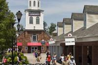 Woodbury Common Premium Outlets Shopping Tour with Japanese Guide