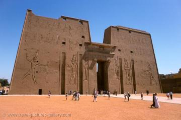 10 Day Cairo Tour: Includes Nile cruise, 5 Star Accommodation plus Transfers