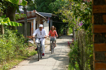 2-Day Mekong Delta Bicycle Tour from Ho Chi Minh City