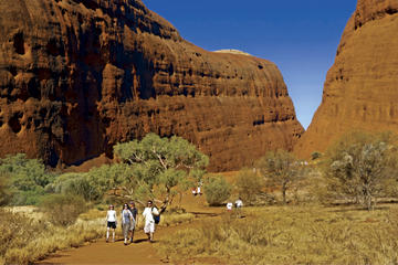 3-Day Alice Springs to Uluru (Ayers Rock) Highlights Tour including Sounds of Silence Dinner