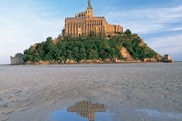 3-Day Mont St-Michel and Chateaux Country Tour from Paris