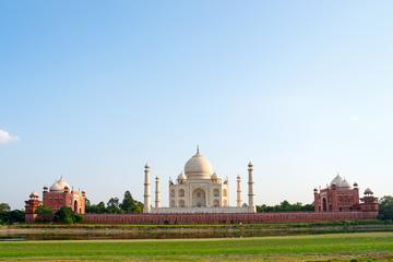 3-Day Private Tour: Taj Mahal and Holy Ganges Tour from Agra to Varanasi