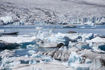 3-Hour Glacier Hike and Glacier Lagoon Boat Ride in Skaftafell