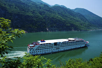 4-Day Yangtze River Cruise from Chongqing to Yichang including the Three Gorges Dam