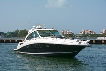 4 Hour Private Charter On A 48' Searay Sundancer Luxury Yacht