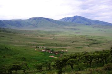 5-Day Serengeti and Ngorongoro Crater Budget Camping Safari From Nairobi
