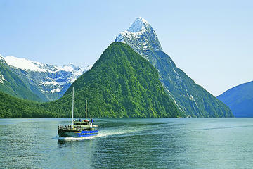 5-Day South Island Tour from Christchurch Including Queenstown and Milford Sound