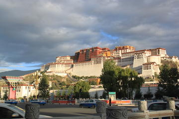 6-Day Lhasa to Everest Base Camp Classic Group Tour