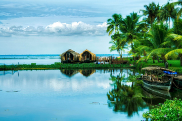 7-Hour Private Houseboat Cruise in Kochi, Kumarakom and Alleppey