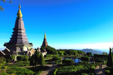 9-Hour Small Group Hike: Doi Inthanon National Park with Transfers from Chiang Mai