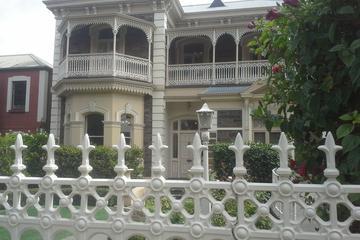 Adelaide Walking Tour: East End Escapade