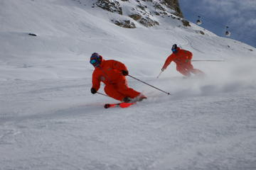 Adult Group Ski Lessons in Moutiers