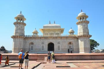 Agra Photography Tour Including a Visit to Taj Mahal