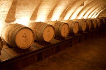 Art and Wine in Paris: Louvre - Wine Cellars and VIP Montmartre Vineyard Tour