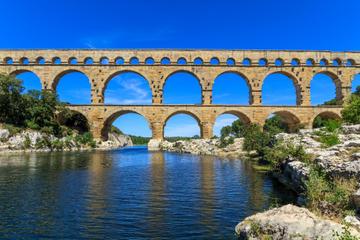 Avignon, Les Baux de Provence and Chateauneuf-du-Pape Day Trip from Aix-en-Provence
