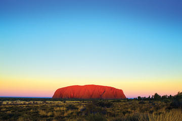 Ayers Rock Super Saver: Uluru Sunrise Indigenous Experience plus Kata Tjuta Tour and BBQ Dinner
