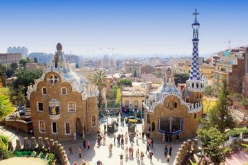 Barcelona 3-Hour Private Walking Tour to Gràcia Neighborhood