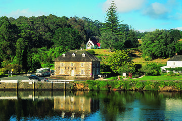 Bay of Islands Shore Excursion: Sightseeing Cruise and Kerikeri Tour