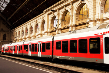 Budapest Transfer: Hotels to Keleti Railway Station