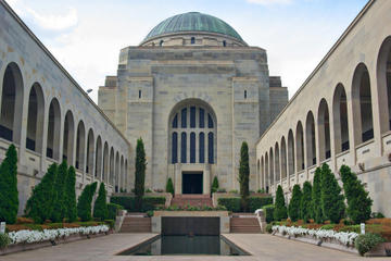 Canberra Explorer: Australia's Capital City Tour from Sydney