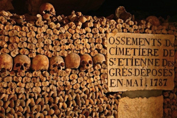 Catacombs in Paris: Small-Group Guided Tour