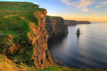 Cliffs of Moher and Burren Day Trip Including Dunguaire Castle, Aillwee Cave and Doolin from Galway
