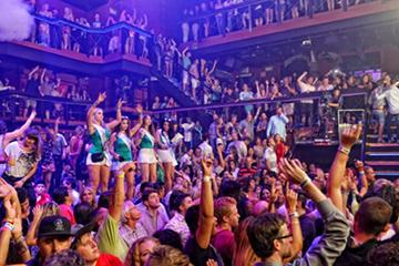 Coco Bongo Nightclub in Cancun with Open Bar and VIP Entrance