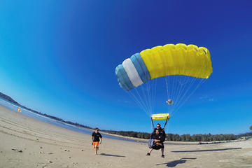 Coffs Harbour 6,000ft, 12,000ft or 15000ft Tandem Skydive on the Beach
