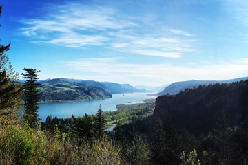 Columbia River Gorge Waterfalls and Mt Hood Day Tour from Portland