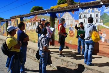 Comalapa Market and Paintings Tour with Iximche Ruins from Antigua