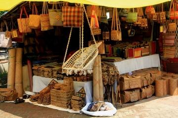 Connaught Place Tour Including Janpath Bazaar and a Dosa at Saravana Bhavan